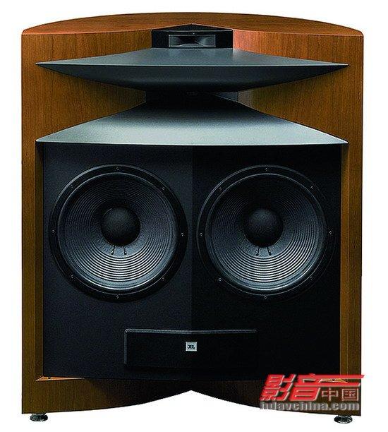 """1.球顶单元:球顶单元是市面上最常见的高音喇叭单元之一,其中球顶单元的振膜面积比较小,所以质量轻且振动的速度快,而且扩散角度也比较大,所以通常都用作于高频段的重放。不过,也有少数的音箱生产商利用它来重放中频段的声音,当中最为发烧友们熟悉的就是英国ATC公司那只""""馒头""""中音(又称为""""放大版的高音"""")就是一只较为""""另类""""的球顶单元。而ATC的理念就是利用球顶单元宽广的扩散角度,再结合""""馒头""""中音宽频特性来获得更优"""