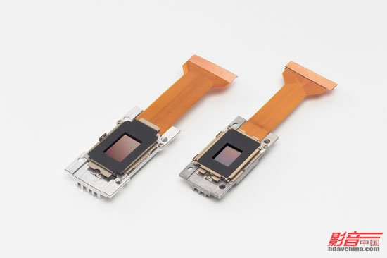 3LCD投影机是通过这样的结构来显示出丰富多彩的影像  非常神奇的液晶晶体,它的出现使我们的眼前更加精彩   日本是最早将液晶技术与大规模集成电路相结合,并且率先开发出一系列液晶显示产品的国家,因此在液晶显示领域有着深厚的技术积累。对于液晶这个由奥地利植物学家F.