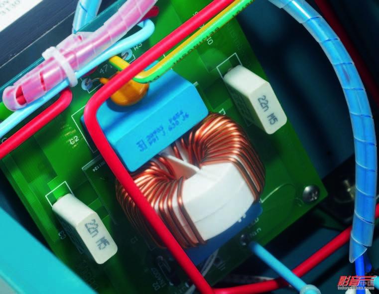 滤波电路,在隔离变压器的配合下