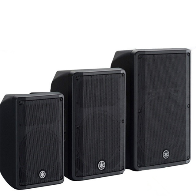 雅马哈作为世界电声行业的巨头,多年来在业界都享有盛誉。近期,该公司推出了有源DBR系列和无源CBR系列便携音箱,有源系列中包括三种型号,它们分别是DBR10,DBR12,DBR15。这三款产品将雅马哈独有的FIR-X tuning技术以及分频器使用线性相位FIR滤波器技术都融入其中,有效提高了声音的清晰度,同时也使音效流畅稳定通透。DBR系列产品还结合了雅马哈TXN系列的专业功率放大器,不但能确保运行过程的可靠性,也有助于延长使用寿命。  雅马哈DBR系列 雅马哈的另一无源系列产品CBR同样也包括三款产品