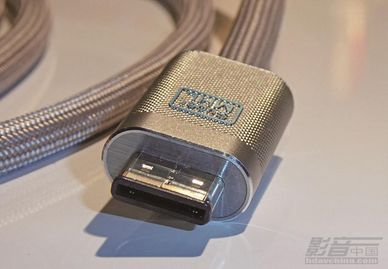 TCU-Super-MHL-Connector-1024_副本.jpg