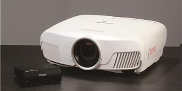 靠Wi-Fi即可传输4K画面-Epson CH-TW8300W