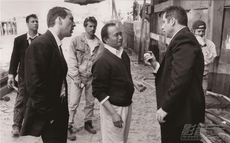 still-of-nicolas-cage-john-travolta-and-john-woo-in-faceoff-large-picture.jpg