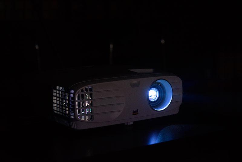 直击:主流4K HDR投影机评测之优派 PX727-4K