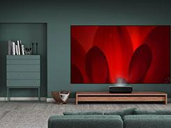 海信推出80吋激光电视新品,全面突击65吋以上市场  适用于3米客厅的80吋电视来了!海信开启电视换代潮